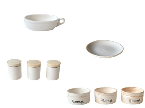 白い陶磁器の古道具