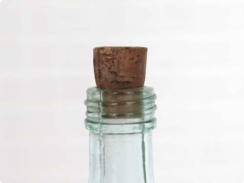 古い薬瓶 ブルー