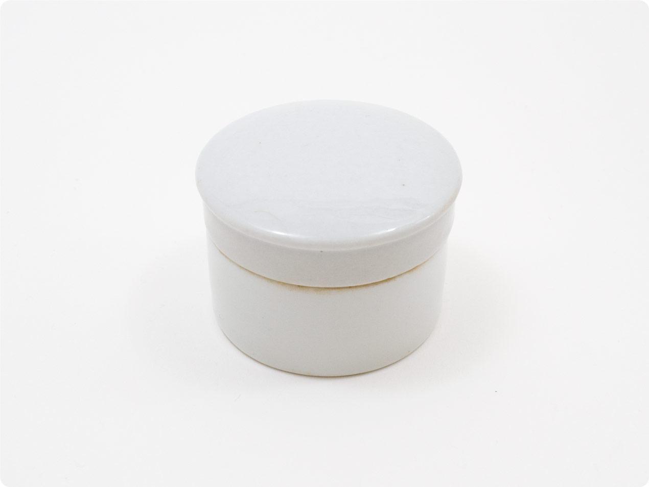 陶器の蓋付きクリームポット
