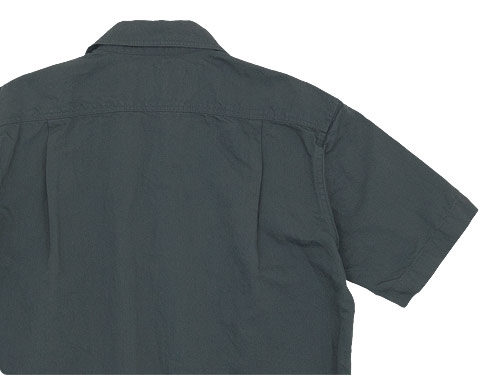 MHL. COTTON LINEN DRILL S/S SHIRTS 020CHARCOAL 〔メンズ〕