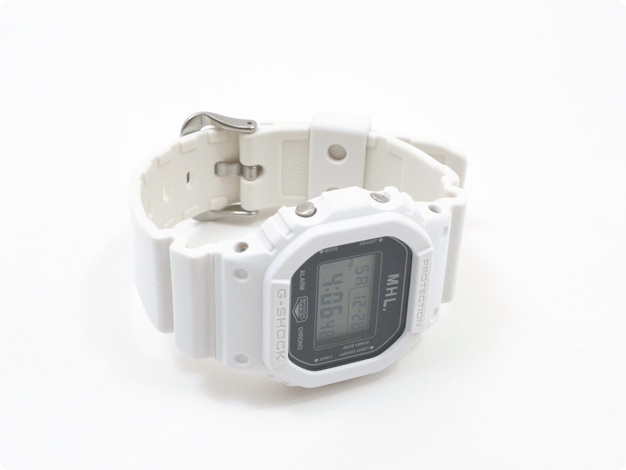 MHL. G-SHOCK 030WHITE