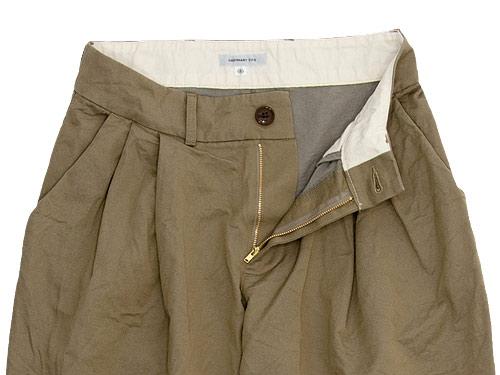 ordinary fits TUCK CHINO PANTS