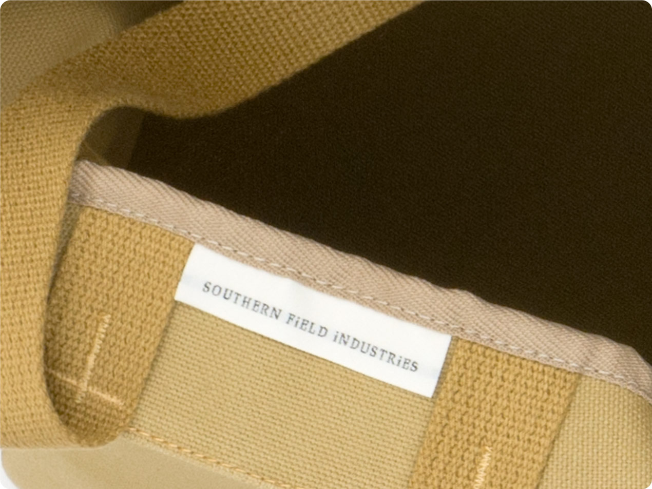 SOUTHERN FiELD INDUSTRiES Day Bag