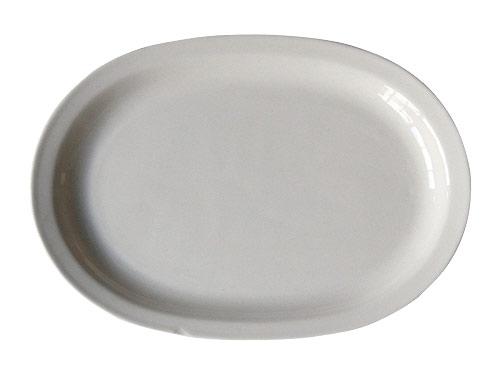 白いオーバルプレート
